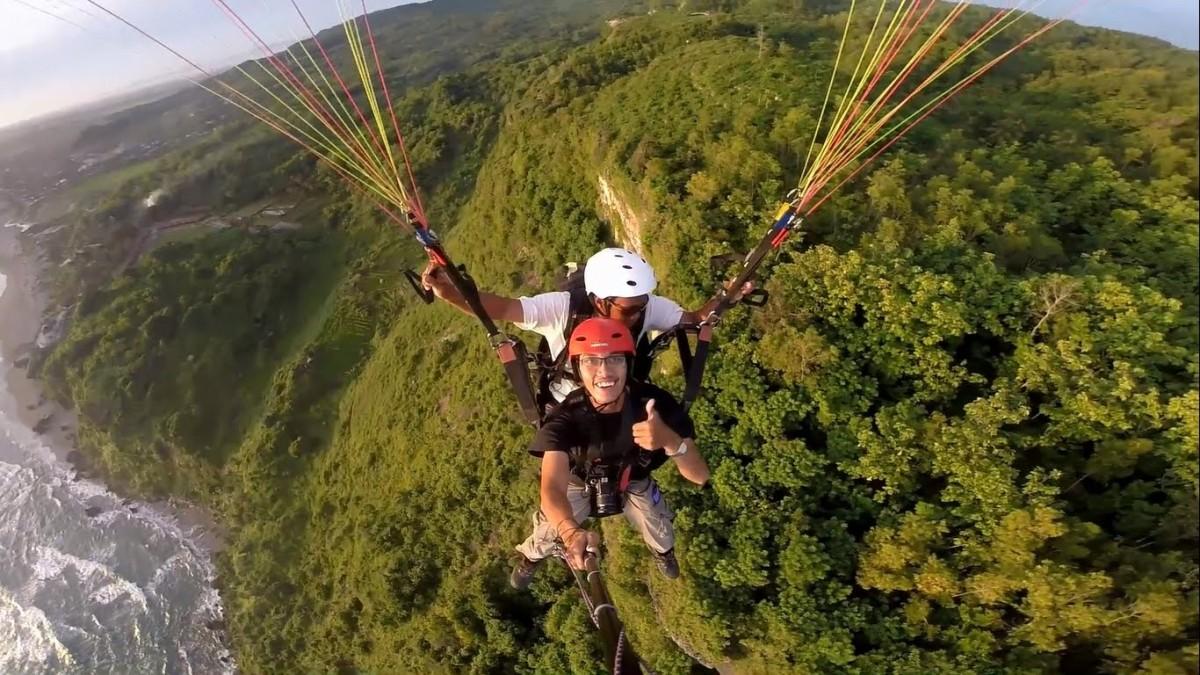 Super Seru !! Paralayang Paragliding Tebing Parangtritis Jogja