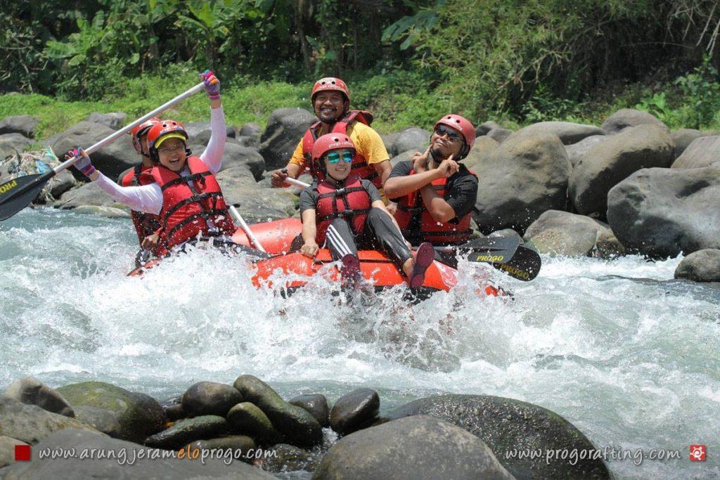 Bosan dengan Liburan yang Gitu-Gitu Aja? Yuk Cobain Rafting di Sungai Progo dan Sungai Elo jogjaholic