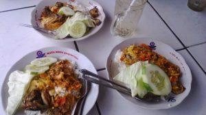 Menikmati seafood pantai depok Jogja yang fresh dan murah meriah