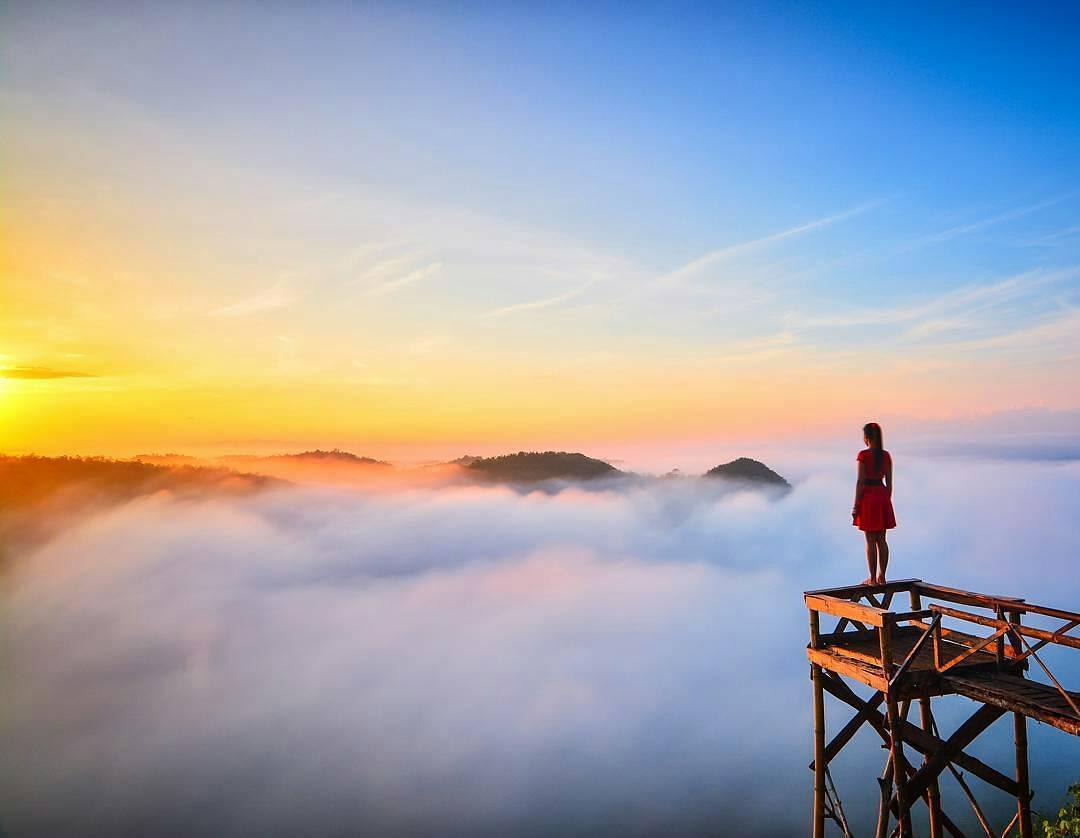 Berburu Sunrise Berkabut Instagramable Di Bukit Panguk Kediwung Dlingo Bantul Yogyakarta