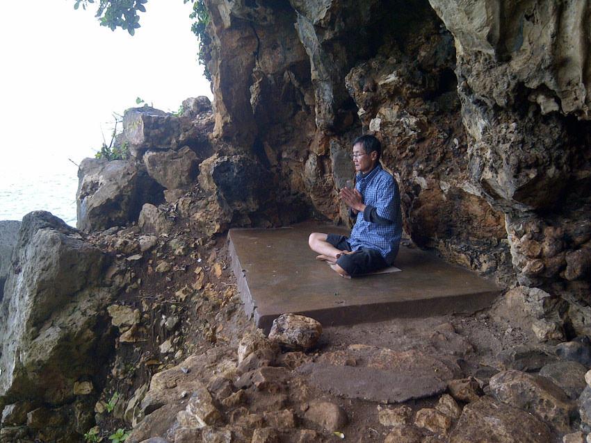 Track Menantang Menuju Gua Keramat: Gua Langse Gunung Kidul Yogyakarta