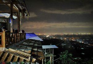Menikmati Pesona Kerlip Lampu Kota di Bukit Bintang Yogyakarta