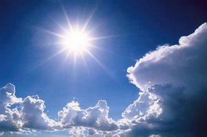 langit jogja cerah dan berawan