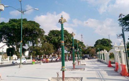 Tiang Lampu Tunggal di Pedestrian Nol Kilometer Telah Dipasang