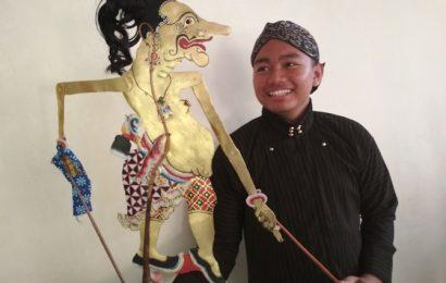 "Giank Bayu Tetuko, Penerus Tradisi Seni Pedalangan Ki Sugati ""Gito-Gati"""