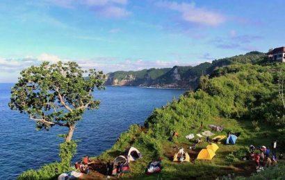 Suka Mencoba Hal Baru? Yuk Camping di Pantai Kesirat Gunung Kidul!