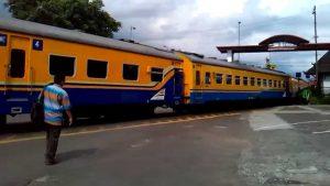 Traveling Naik Kereta Api Ekonomi, Tetap Bisa Asyik Aja, Simak Tipsnya Ini