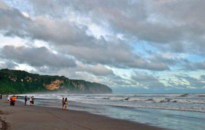 Gempa Tak Pengaruhi Wisatawan di Pantai Selatan
