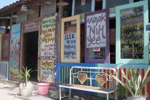 Cafe 80's Bocor Alus, Cafe Dengan Suasana Unik di Setiap Sudutnya