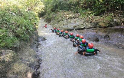 Asyiknya, Refreshing Susur Sungai di Sedayu