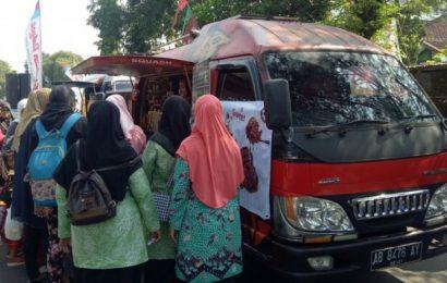 Parade Foodtruck Meriahkan Festival Gambiran